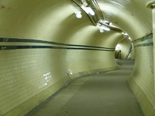 aldwych-station