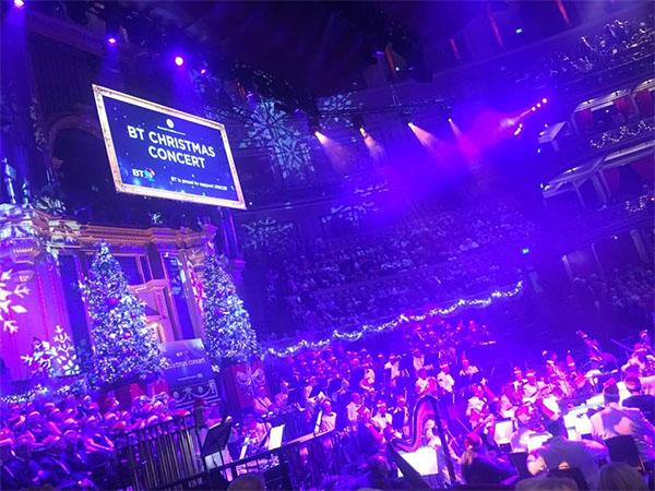 bt-christmas-concert02.jpg