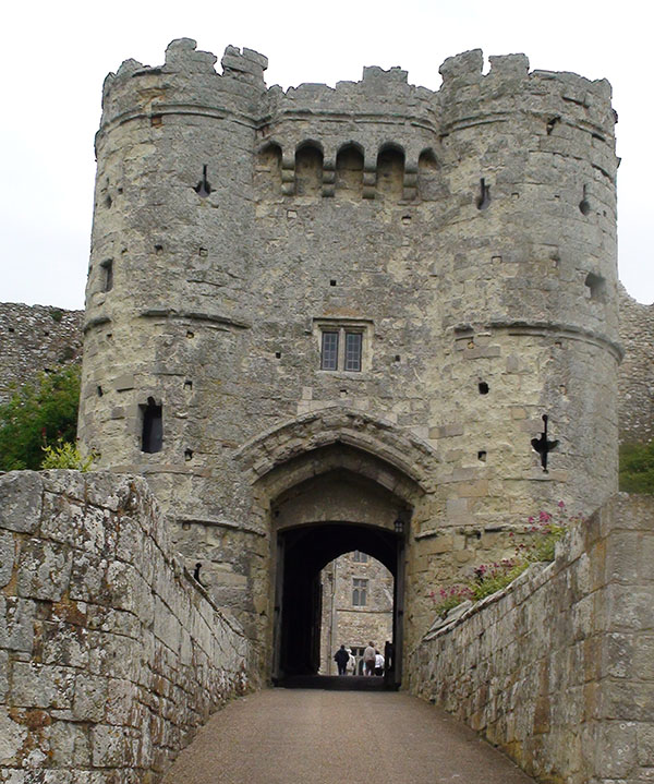 carisbroke-castle-3.jpg