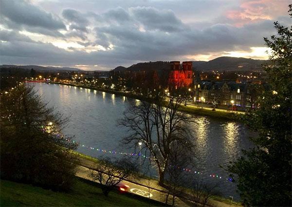 inverness-castle2.jpg