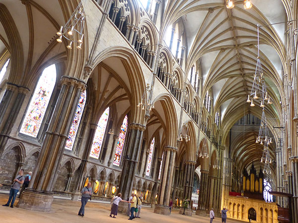 lincoln-cathedral02.jpg
