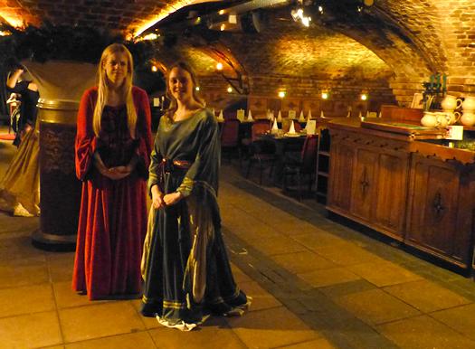 medievalbanquet02.jpg