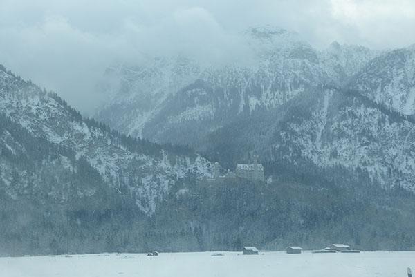 neuschwanstein-castle-02.jpg