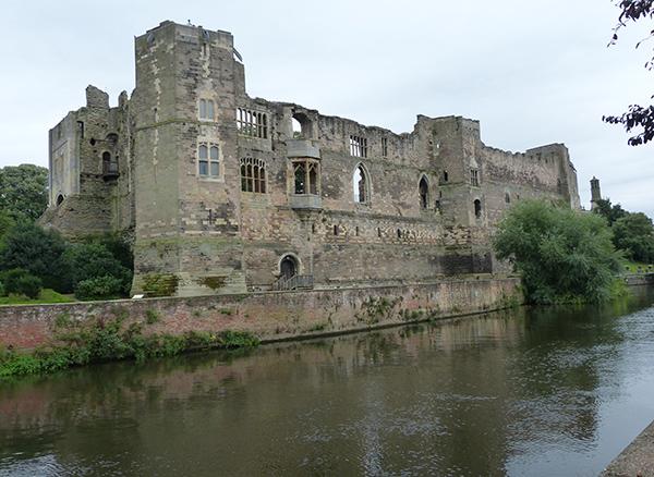 newark-castle-08.jpg
