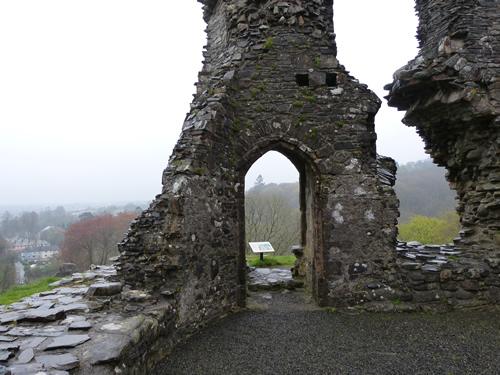 okehampton-castle-07.jpg