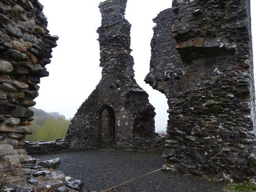 okehampton-castle-10.jpg