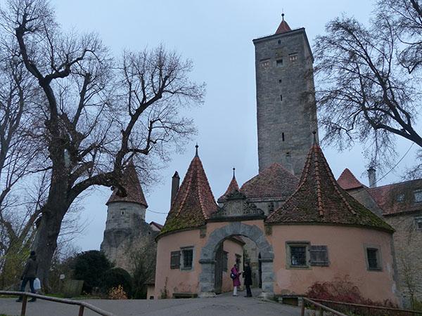 rothenburg-walls-25.jpg