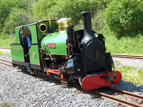 ruislip-lido-railway-03.jpg