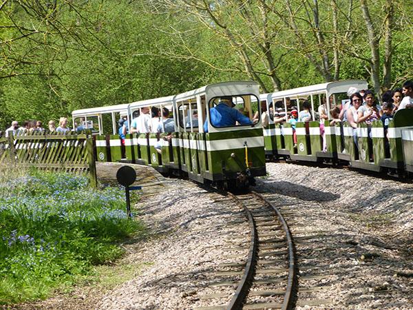 ruislip-lido-railway-07.jpg