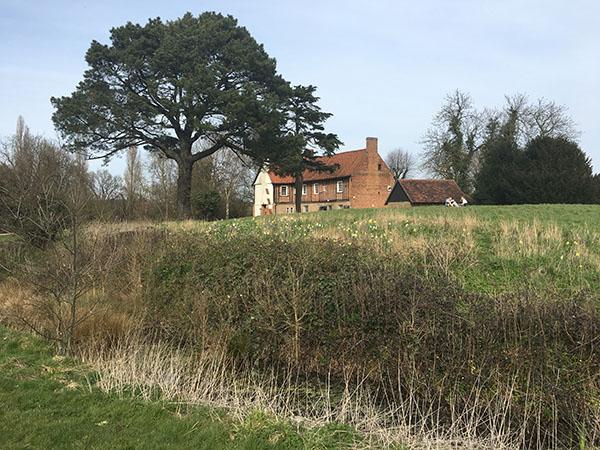 ruislip-manor-house-castle.jpg
