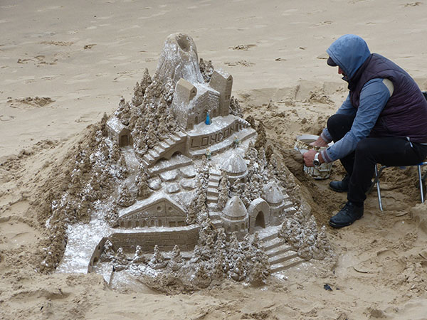 sandcastle-thames2016.jpg